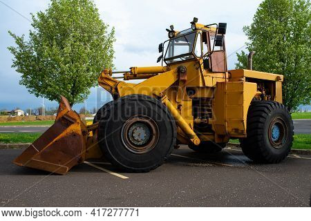 Large Yellow Tractor Loader Bulldozer Heavy Tractor