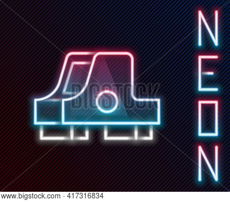 Glowing Neon Line Collimator Sight Icon Isolated On Black Background. Sniper Scope Crosshairs. Color