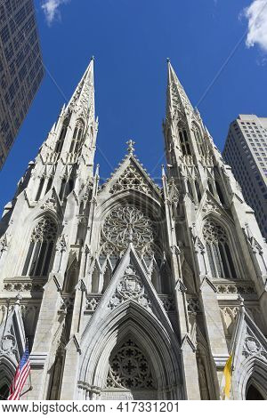 St. Patrick\'s Cathedral Against Blue Sky In Manhattan, Nyc