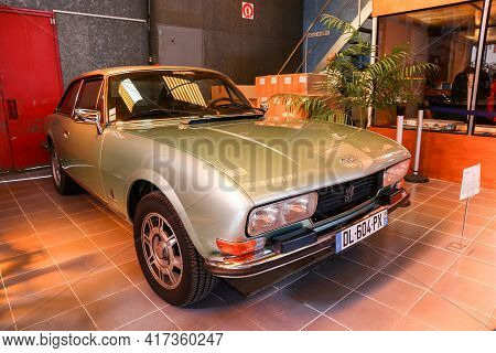 Reims, France - September 16, 2019: Old Car Peugeot 504 Coupe In The Reims-champagne Automobile Muse