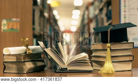Online Education, School Study Course, E-learning Class, E-book Digital Technology And Global Educat