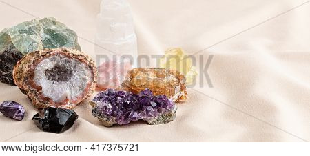 Healing Reiki Chakra Crystals. Gemstones For Wellbeing, Destress, Meditation, Relaxation