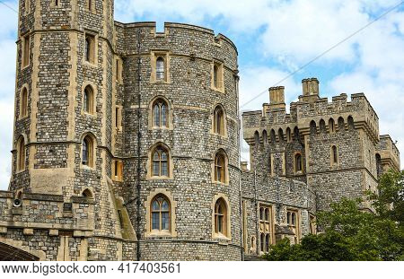 London, Great Britain -may 25, 2016: Windsor Castle, King Edward Iii Tower On A Spring Day.