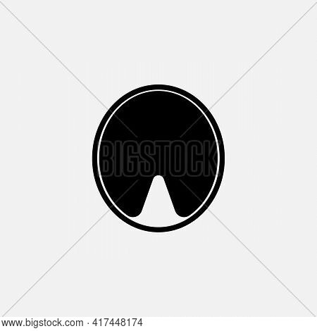 Shoe Vector Icon Illustration Isolated On White Background. Horse Shoe Icon. Horseshoe Icon. Shoe Ve