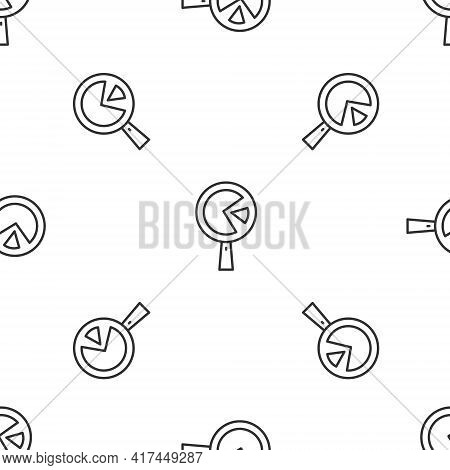 Grey Line Omelette In Frying Pan Icon Isolated Seamless Pattern On White Background. Omelet In A Ski