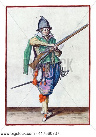 A soldier, full-length, to the right, holding a rudder (a type of firearm) with his left hand. In his left hand, in addition to the rudder, also a burning fuse. He takes this fuse with his right hand