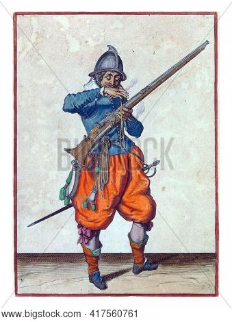 A soldier, full-length, to the right, holding a rudder (a type of firearm) with his left hand. With his right hand he brings a burning wick to his mouth to blow it clean
