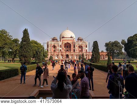 Editorial Dated:11th February 2020 Location: Delhi India, Humayun's Tomb. Tourist Clicking Pictures