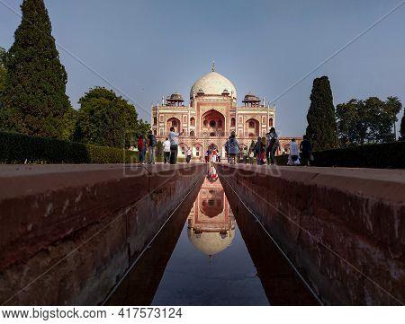 Editorial Dated:11th February 2020 Location: Delhi India, Humayun's Tomb. Tourist Visiting Humayun's
