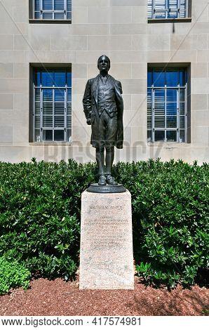 Washington, Dc - Apr 3, 2021: Captain Nathan Hale Is A Bronze Statue Of Nathan Hale, By Bela Lyon Pr