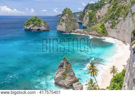 Beautiful Diamond Beach At Nusa Penida, Bali, Indonesia.