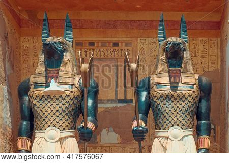 The Mummy's Guards, Giant Statues Of Ancient Egyptian God Anubis In Theme Park Universal Studio, Sen