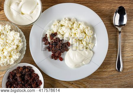 Bowl With Raisin, Transparent Glass Bowls With Cottage Cheese And Sour Cream, Cottage Cheese, Sour C