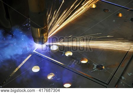 Metal Cutting. Technological Process Of Cutting Sheet Metal With A Plasma Cutting Machine.