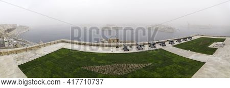 Valletta, Malta - February 20, 2010. Panorama Of Saluting Battery And Saint Angelo Fort, Gardjola Ga