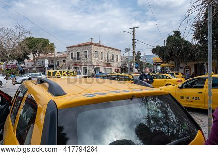 Seferihisar, Izmir, Turkey - 03.09.2021: Turkish Taxicab Stand And A Lot Of Waiting Taxi Cars And A