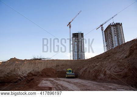 Vibration Single-cylinder Road Roller Leveling The Ground For The Construct Of The Foundation For Bu