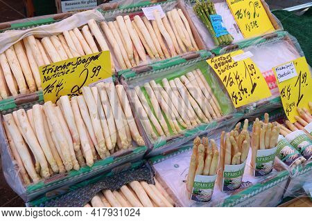 Nuremberg, Germany - May 7, 2018: Asparagus At Local Vegetable Market In Nuremberg, Germany. Nurembe