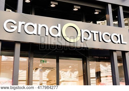 Bordeaux , Aquitaine France - 04 22 2021 : Grand Optical Logo Shop Sign And Brand Text Of Medic Stor