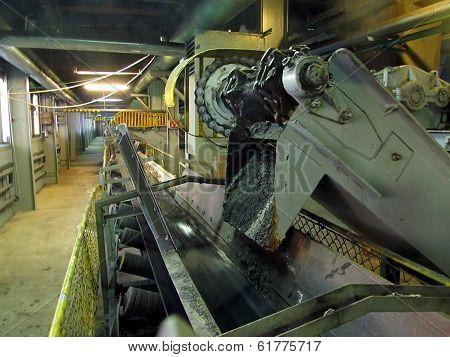 Feeder Conveyor And Feeder Tape