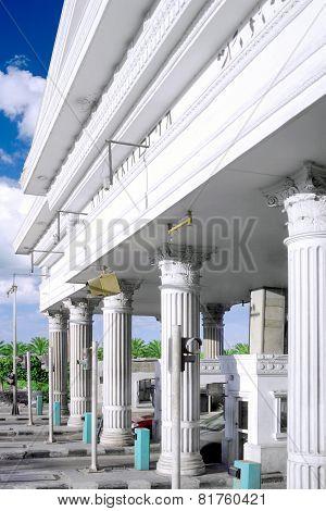 Main Entrange Road Gate To Alexandria,