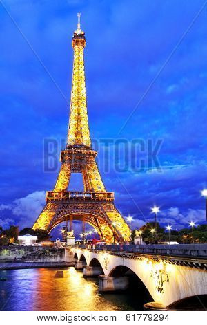 Paris - September 18. Light Performance Show On September 18, 2013 In Paris. The Eiffel Tower Stands