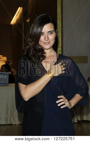 LAS VEGAS - APR 20:  Cote de Pablo at the Extraordinary Families Gala at the Beverly Hilton Hotel on April 20, 2016 in Beverly Hills, CA