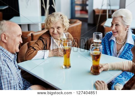 Seniors with beer