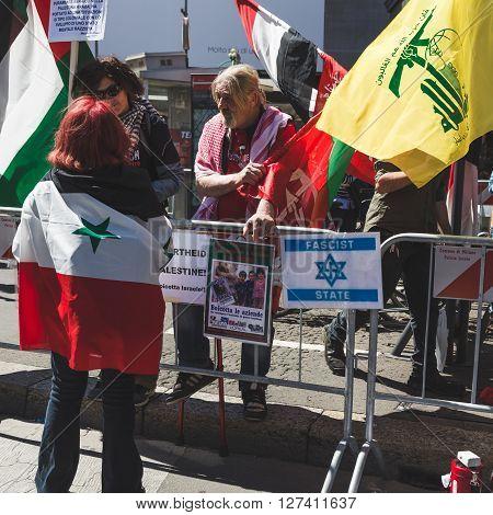 Pro-palestinian Demonstrators Contesting The Jewish Brigade