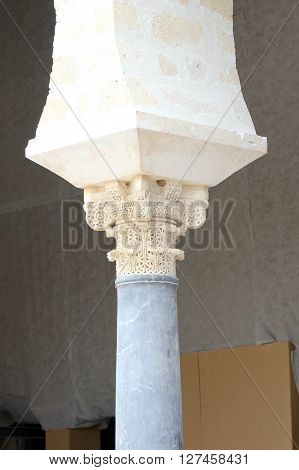 Hornet capital of a column of Madinat al-Zahra in Cordoba - Spain.