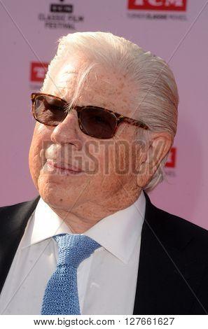 LOS ANGELES - APR 28:  Carl Bernstein at the TCM Classic Film Festival Opening Night Red Carpet at the TCL Chinese Theater IMAX on April 28, 2016 in Los Angeles, CA