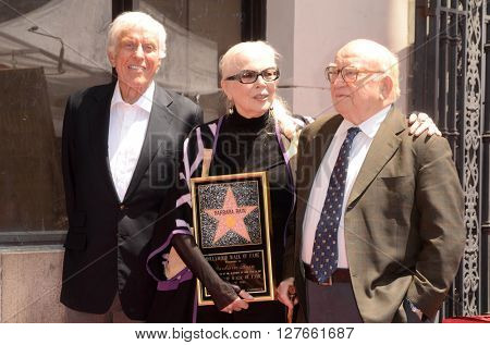 LOS ANGELES - APR 28:  Dick Van Dyke, Barbara Bain, Ed Asner at the Bairbara Bain Hollywood Walk of Fame Star Ceremony at the Hollywood Walk of Fame on April 28, 2016 in Los Angeles, CA