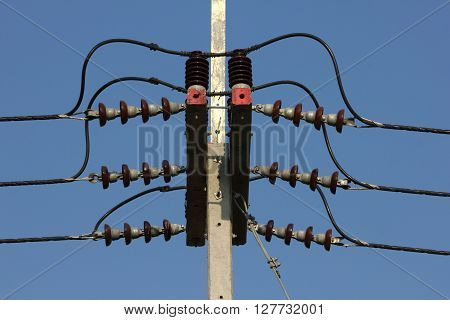 Connection of power line on the power line pole