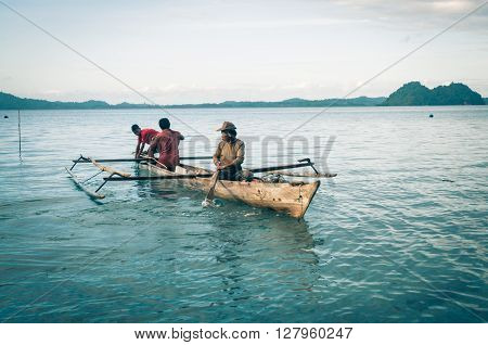 Sailing Men