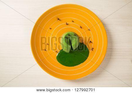petit gateau with green sava ant. gourmet dessert