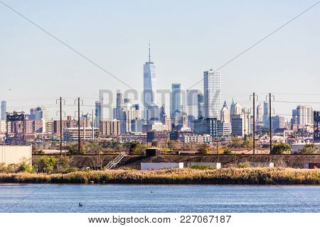 Kearny, Usa - October 27, 2017: Industrial View Of New Jersey With Cityscape Skyline Of Manhattan, N