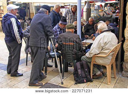 Jerusalem, Israel - December 1, 2017: Men Are Playing Backgammon At Machane Yehuda Market In Jerusal