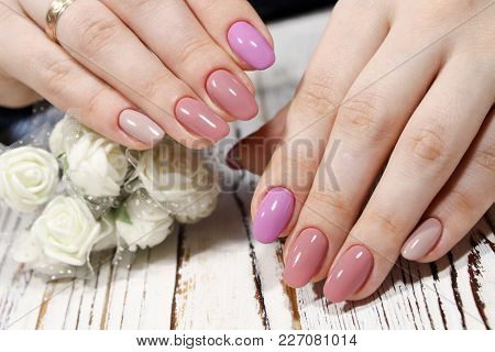 Fashionable Design Of Manicure