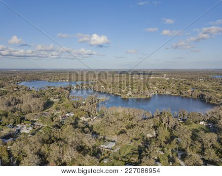 Crystal Lakes Are In A Suburb Of Tampa And Provide An Beautiful Neighborhood Backdrop