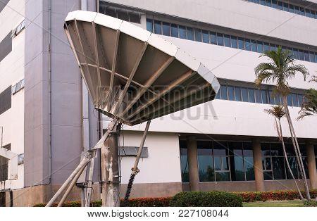 Satellite Dish,radio Telescope Of Directional Radio Antenna