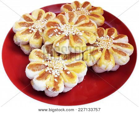 Chinese Pastry Baked Stuff With Pineapple Stirring And Sprinkle With Sesame