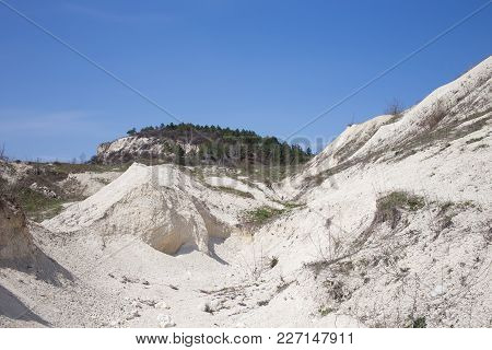Beautiful Valley With Limestone Minerals. Can Be Used As Wallpaper For A Monitor.