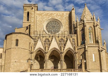 Manresa,spain-november 8,2012: Religious Architecture Building,collegiate Basilica Of Santa Maria Al
