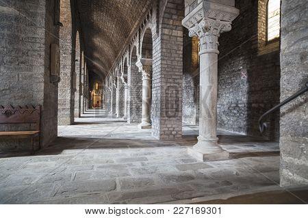 Ripoll,spain-may 14,2012: Interior Church Of Monastery Benedictine Romanesque Style, Monestir Santa