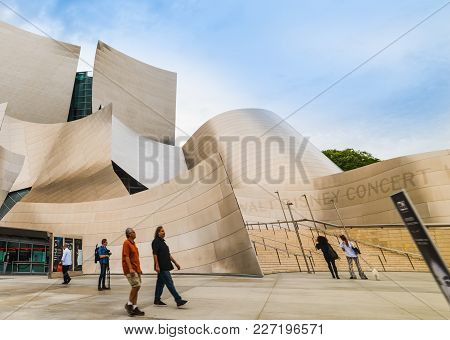 Los Angeles, Ca, Usa - October 28, 2016: Walt Disney Concert Hall On A Cloudy Day