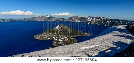 Bana Wizard Island Located At The West End Of Crater Lake