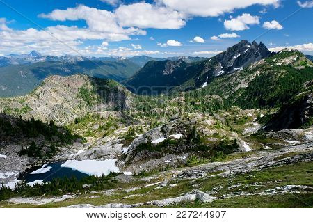 Three Queens Mountain, Mt Stuart And Glacier Lake Above Spectacle Lake. Alpine Lakes Wilderness, Cas
