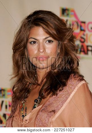 LOS ANGELES - AUG 29:  Eva Mendes in the press room at the Mtv Video Music Awards  on August 29, 2004 in Miami, FL.