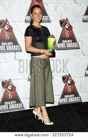 LOS ANGELES - JUN 05:  Lucy Liu arrives to the Mtv Movie Awards  on June 5, 2004 in Culver City, CA.