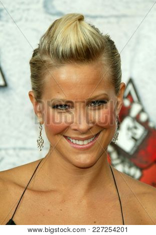 LOS ANGELES - JUN 05:  Brittany Daniel arrives to the Mtv Movie Awards  on June 5, 2004 in Culver City, CA.